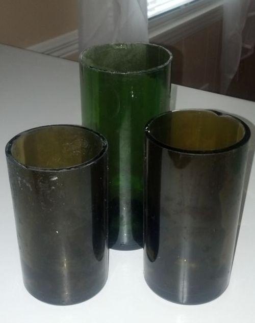 Wine_bottle_glasses